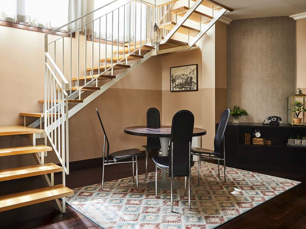Hotel Indigo Venice Duplex Suite With Terrace Stairs